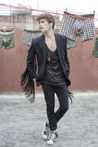 H&M jeans - H&M blazer - H&M t-shirt - Adidas sneakers - vintage necklace