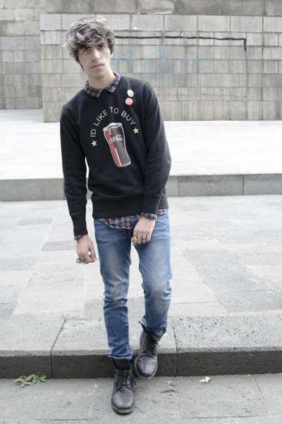 H&M shirt - asos boots - Zara jeans - Uniqlo sweatshirt