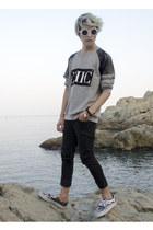 Forever 21 sweatshirt - asos jeans - free people sunglasses - Vans sneakers