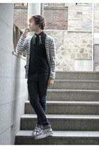 H&M jeans - H&M t-shirt - andew cardigan - Vans sneakers - H&M tie