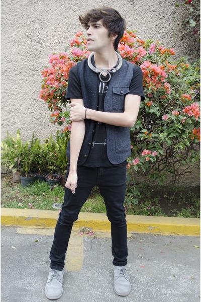 Pull & Bear boots - asos jeans - asos vest - Zara t-shirt