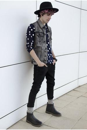pull&bear jeans - asos jeans - H&M hat - A Land Korea socks