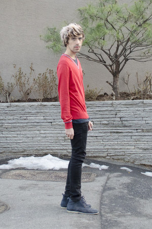 H&M ring - Frank Wright boots - asos jeans - Lacoste sweater - H&M t-shirt