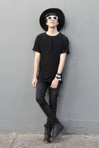 asos boots - Pull & Bear jeans - Wonderplace Korea hat - Zara t-shirt