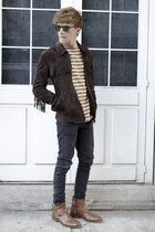 Paruno boots - H&M jeans - Zara jacket - Ray Ban sunglasses - Gap t-shirt