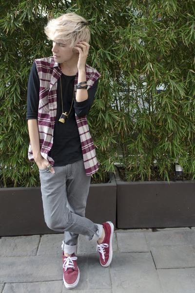 Zara t-shirt - Zara jeans - H&M shirt - Vans sneakers - pull&bear necklace
