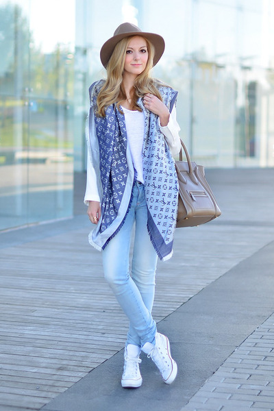 Louis Vuitton scarf - Zara blazer - Celine bag