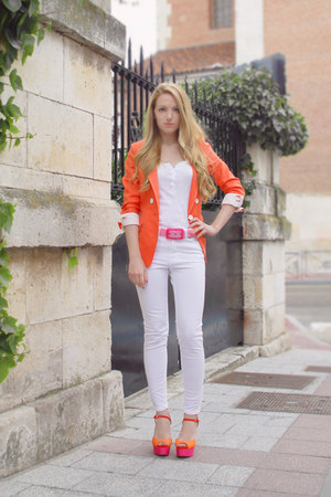 white Zara jeans - carrot orange Queens Wardrobe blazer - Zara sandals - bubble 