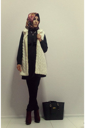 black dress - brick red suede Metin boots - brick red silk Bonjela scarf