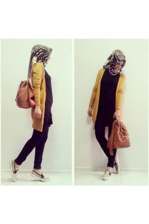 tawny backpack Moschino bag - black Ece dress - camel aker scarf