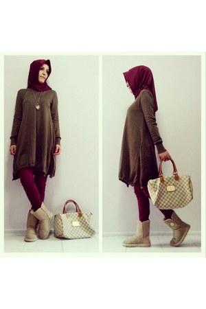 tan Ugg boots - crimson scarf - tan plaid Louis Vuitton bag