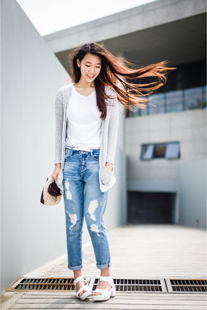 white LnA t-shirt - Zara jeans - speckled Urban Outfitters cardigan