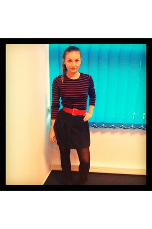 red shirt - black biker boots - navy skirt - red belt