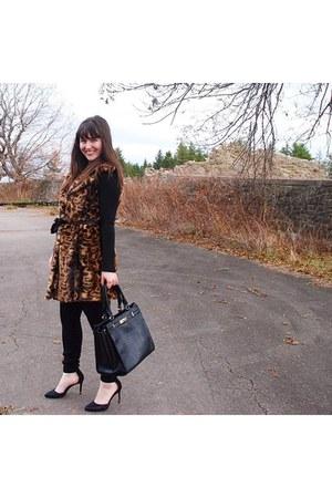 animal print calvin klein vest - black Spanx tights - faux leather no name bag