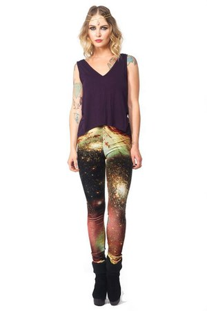 dark brown HolisticFashionista leggings - deep purple HolisticFashionista shirt