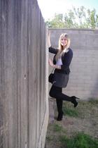 gray Forever 21 skirt - black Forever 21 shoes - black Primark purse