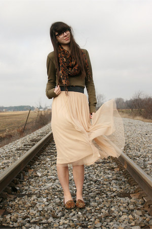peach Urban Outfitters skirt - brown leopard Qupid shoes