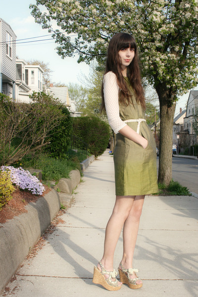 olive green dress - ivory Urban Outfitters top - lime green Jellypop wedges