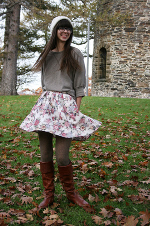 ivory floral skirt - tawny Vince Camuto boots - white Urban Outfitters hat