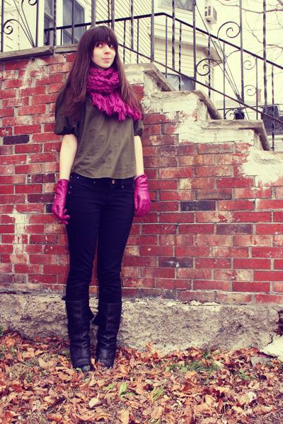 army green Diane Von Furstenberg blouse - magenta Urban Outfitters scarf - magen