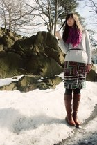 brown Vince Camuto boots - heather gray Gap sweater - forest green Express tight