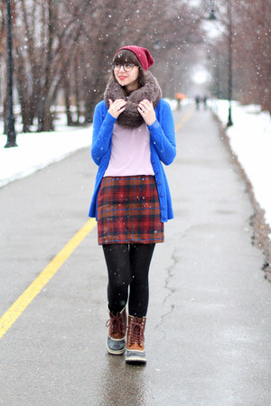 charcoal gray handmade scarf - brown Sorel boots - maroon Urban Outfitters hat