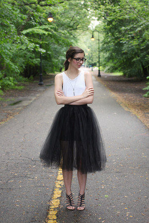 black Urban Outfitters skirt - white thrfited top - black Blowfish sandals