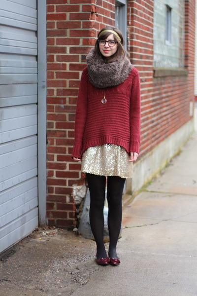brick red Naomi and Lavender sweater - black unknown tights