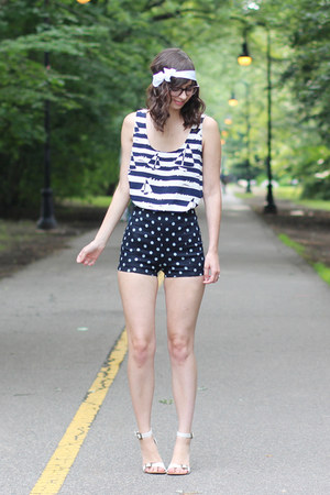 white Urban Outfitters sandals - navy Urban Outfitters shorts