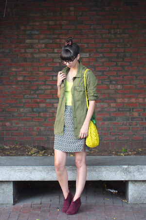 army green Forever 21 jacket - maroon Steve Madden boots - yellow H&M purse
