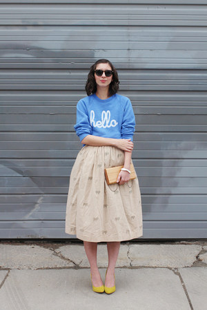 sky blue Hello Apparel sweatshirt - light brown Uncommon Goods purse