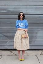 sky blue Hello Apparel sweatshirt - light brown Uncommon Goods purse
