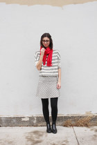 heather gray Loft top - black Jcrew boots - red gift scarf