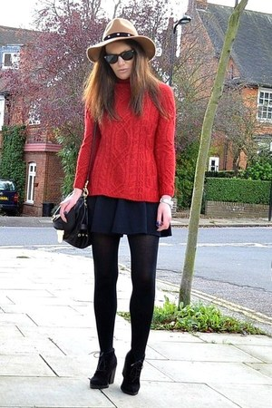 ruby red knitted Zara jumper - black suede Topshop boots