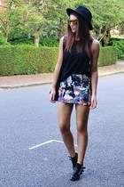 violet printed Topshop skirt - gold mirrored Topshop sunglasses