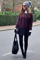maroon printed Zara sweatshirt - heather gray beanie Topshop hat
