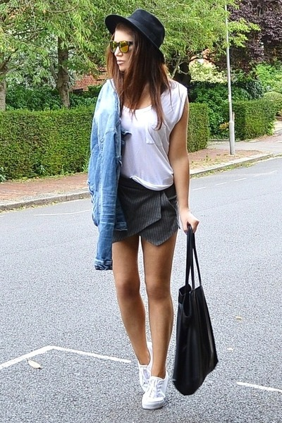 sky blue denim Zara jacket - heather gray striped Zara shorts