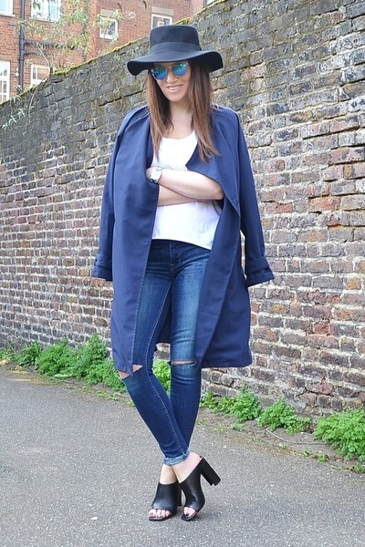 navy duster H&M coat - white cotton Zara t-shirt - black leather Zara heels