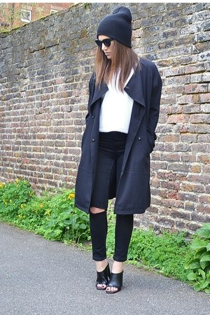 white cropped so in fashion top - black mule Zara shoes - black duster H&M coat