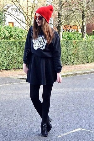 black suede Topshop boots - red beanie Topshop hat - black oversized Topshop bag
