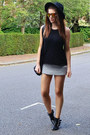 Gold-mirrored-topshop-sunglasses-heather-gray-quilted-topshop-skirt