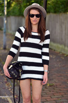 white striped Zara jumper - heather gray fedora Aldo hat