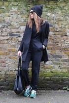 black boyfriend Topshop coat - black baggy Zara pants