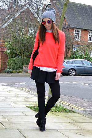hot pink knitted H&M jumper - heather gray beanie Topshop hat