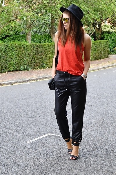 black faux leather Topshop pants - gold mirrored Topshop sunglasses