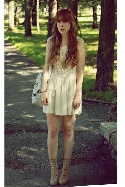 beige Siren dress - beige Primark heels