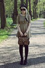 Camel-romwecom-dress-light-brown-siren-bag-black-new-look-wedges