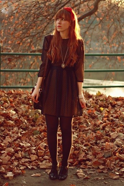 red Dorothy Perkins accessories - black H&M dress - purple vintage bag