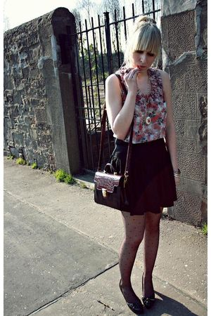 pink Topshop top - black Primark skirt - purple vintage purse - gold Topshop acc