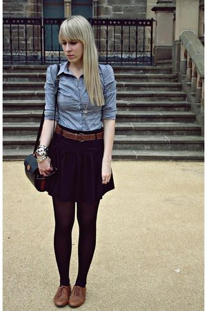 blue butykcouk shirt - black thrifted skirt - brown new look shoes